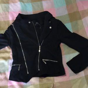 Black jacket/ shall